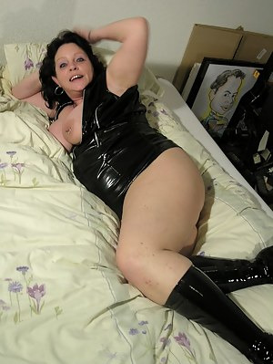 Free Latex Porn Pictures